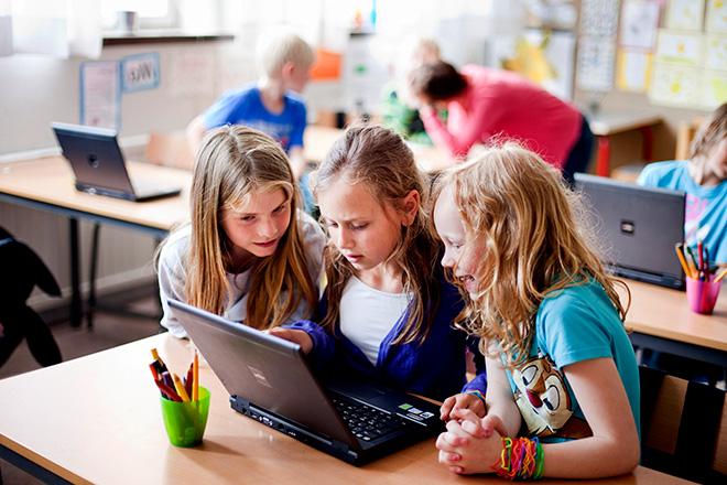 Educational technology ZARZA kids